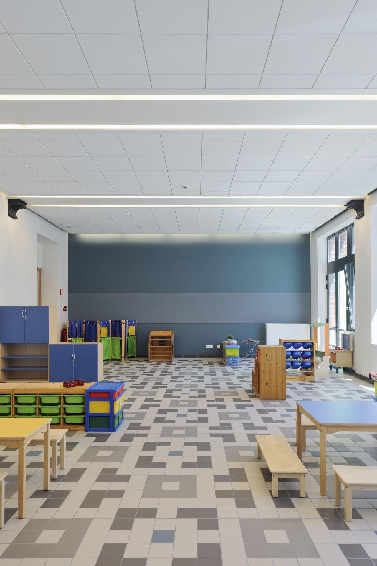 Mosa Com Rf0615 Heilige Familie Schaarbeek Be Study Inspiration Inspiration Home Decor