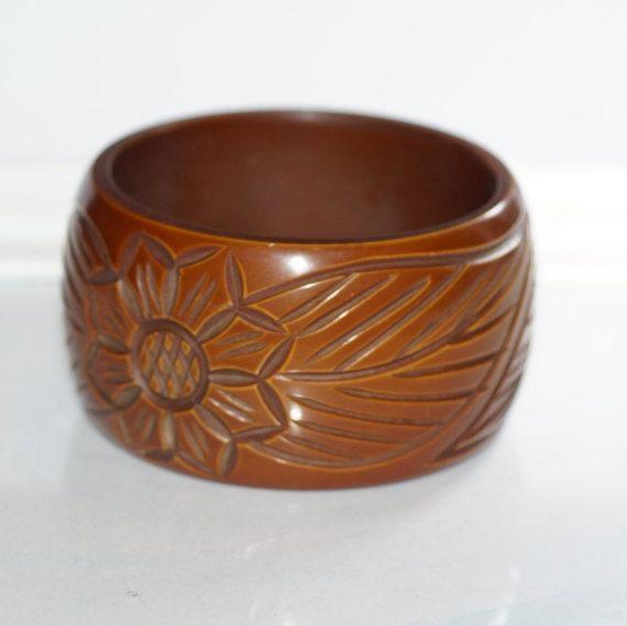 Retro Bangle Floral Carved Bangle Chunky Bangle 1960s Bangle Lucite Bangle Cream Bangle Vintage Bangle