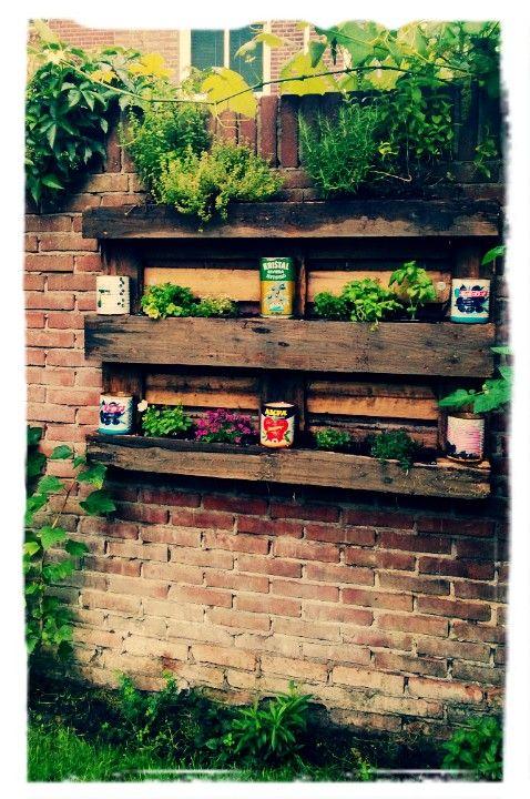 Een pallet tuin is reuzehip en heel leuk en makkelijk om zelf te maken ik leg je uit hoe - Hoe om te beseffen een tuin ...