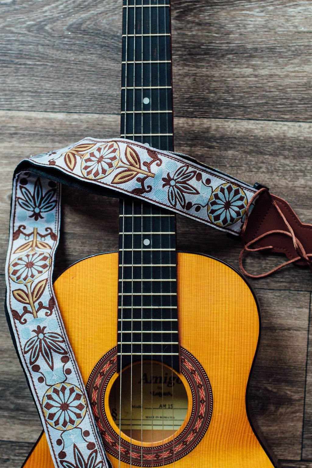 Vintage Guitar Strap Woven Guitar Strap For Acoustic Guitar Etsy In 2020 Guitar Strap Vintage Bass Guitar Gift Acoustic Guitar Strap