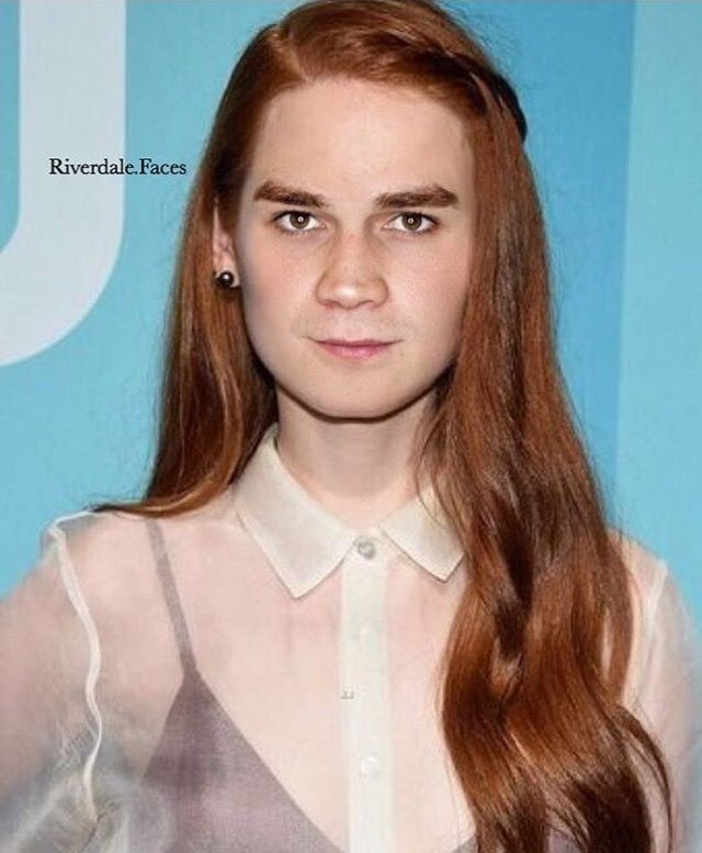 Pin By L A Y A On Kj Apa Madelaine Petsch Hair Styles Hair Color