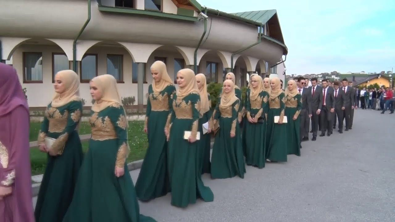 Islamic School In Bosnian مدرسة الاسلامية في البوسنة Bridesmaid Dresses Wedding Dresses Beautiful