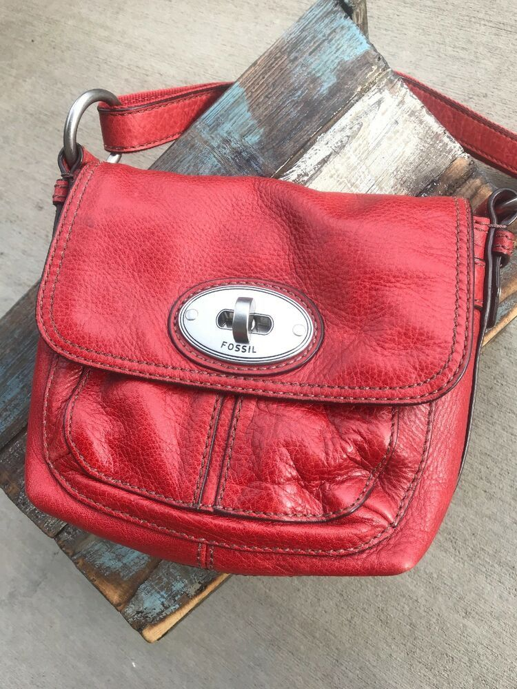 62a722989a54 FOSSIL MADDOX Brick Red Leather Flap Crossbody Messenger Shoulder Traveler  Bag