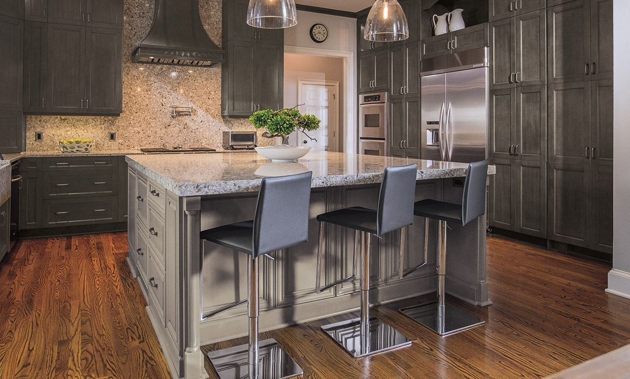 Traditional Kitchen With Lexington Gray Kitchen Cabinets In Weathered Slate With 1 In 2020 Kitchen Cabinet Styles Vinyl Flooring Kitchen Kitchen Cabinets For Sale