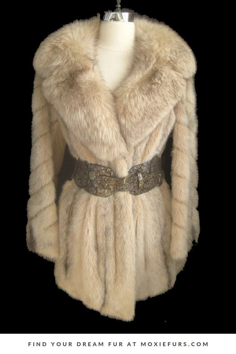 This Vintage Mink Fur Coat Is Pure Glamour With Its Huge Fluffy Fox Collar And Blush Cross Mink Pelts Click Throu Fur Coat Vintage Vintage Fur Stole Fur Coat [ 1190 x 794 Pixel ]