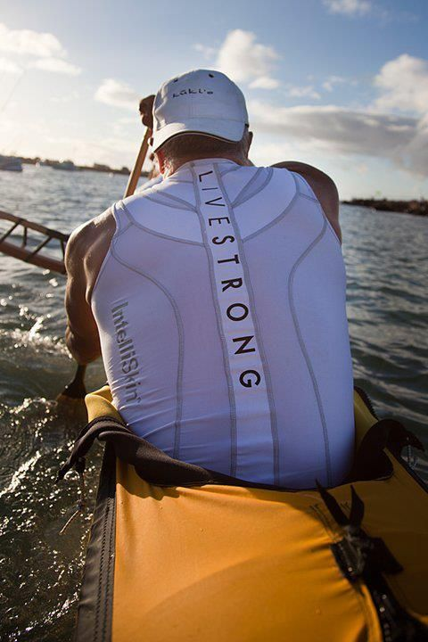 A Livestrong outrigger canoe team member, wearing the Foundation Tank during the Moloka'i Hoe Race.