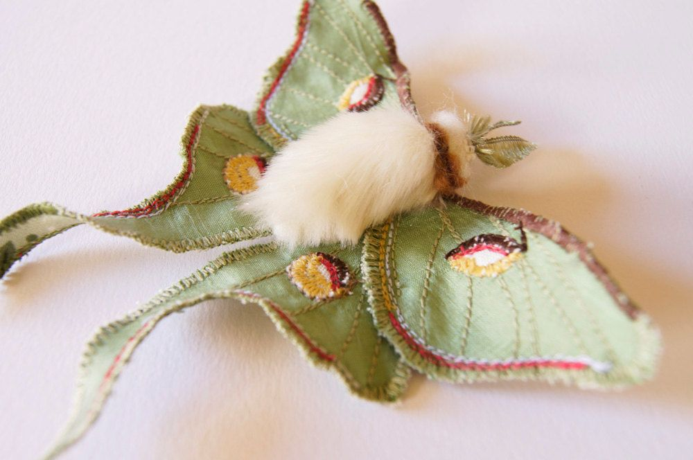 Luna Motte Aussage Textil Brosche Saturniid Schmetterling Naturgeschichte Geschenk Fur Ihre Naturliebhaber Geschenk Kreatur Der Nacht Am Besten Verkauft Textil Skulptur Weiche Skulptur Brosche