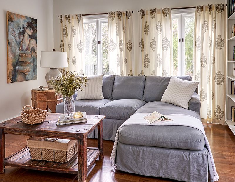 How To Make Small Spaces Feel Luxurious Cottage Style Decorating Renovating And Entertaining Ideas For Indoors And Out Cottage Style Living Room Cottage Style Decor Living Room Designs