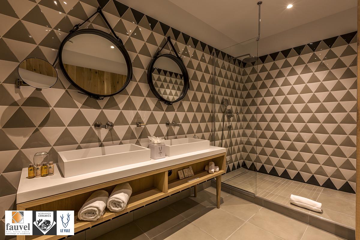 Salles De Bains Bruxelles ~ les carreaux triangles des ateliers fauvel normandy ceramics sont