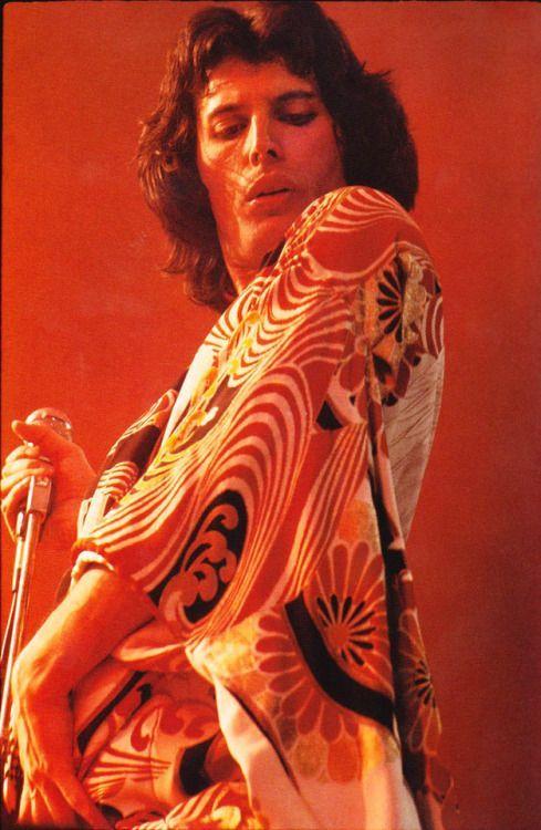 soundsof71:  Freddie Mercury internationally fabulous via #freddiemercury soundsof71:  Freddie Mercury internationally fabulous via #freddiemercury