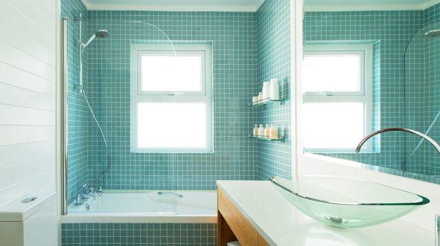 Repeindre carrelage salle de bain  les 3 erreurs à éviter avec la - Peinture Pour Carrelage De Cuisine