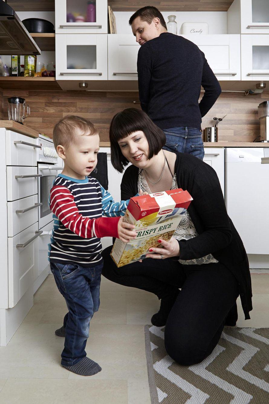 """2,5-vuotiaalle Einolle sopii vain 15 ruoka-ainetta: """"Allergiat eivät hallitse koko elämäämme""""   Vauva"""