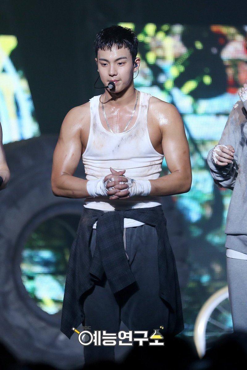 15 Male Idols With The Sexiest Arms In K Pop Koreaboo Monsta X Shownu Monsta X Kihyun Shownu