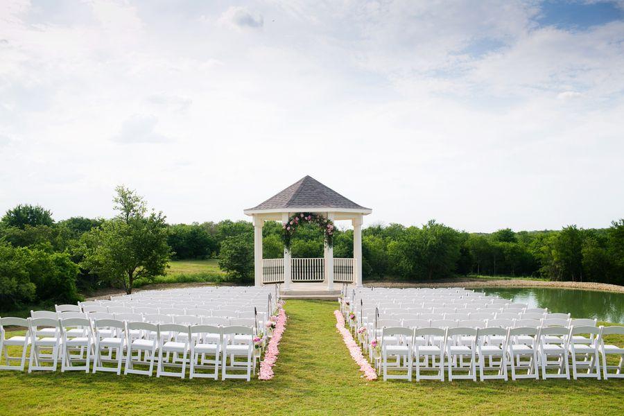 Denton Outdoor Ceremony Site: Walters Wedding Estates