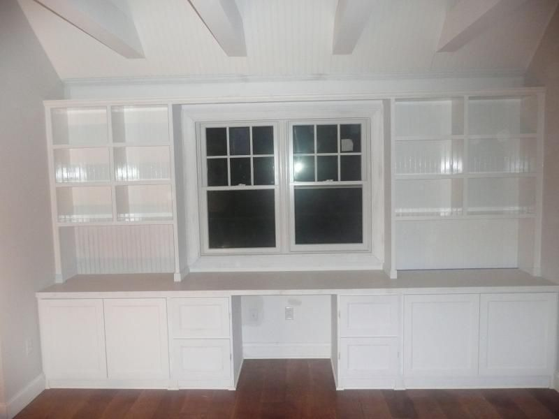 Merveilleux Built In Desk Against Wall With Storage. Possible Glass Front Upper Cabinets  Instead.