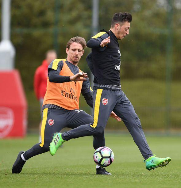 Arsenal News Ozil Monreal