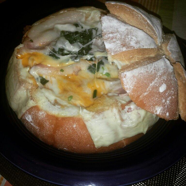 Pan campesino relleno de 3 carnes y 3 quesos