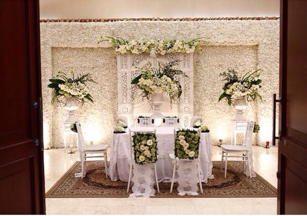 Gebyok putih weeding pinterest decoration backdrops and wedding gebyok putih junglespirit Image collections