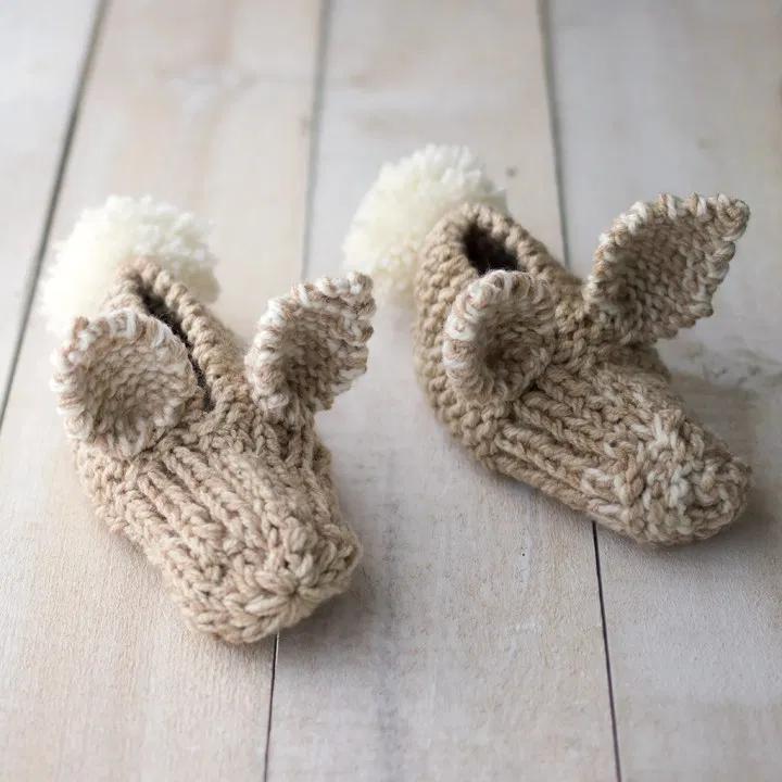 Easy Kids Bunny Slippers Knitting Pattern in 2020 | Kids ...