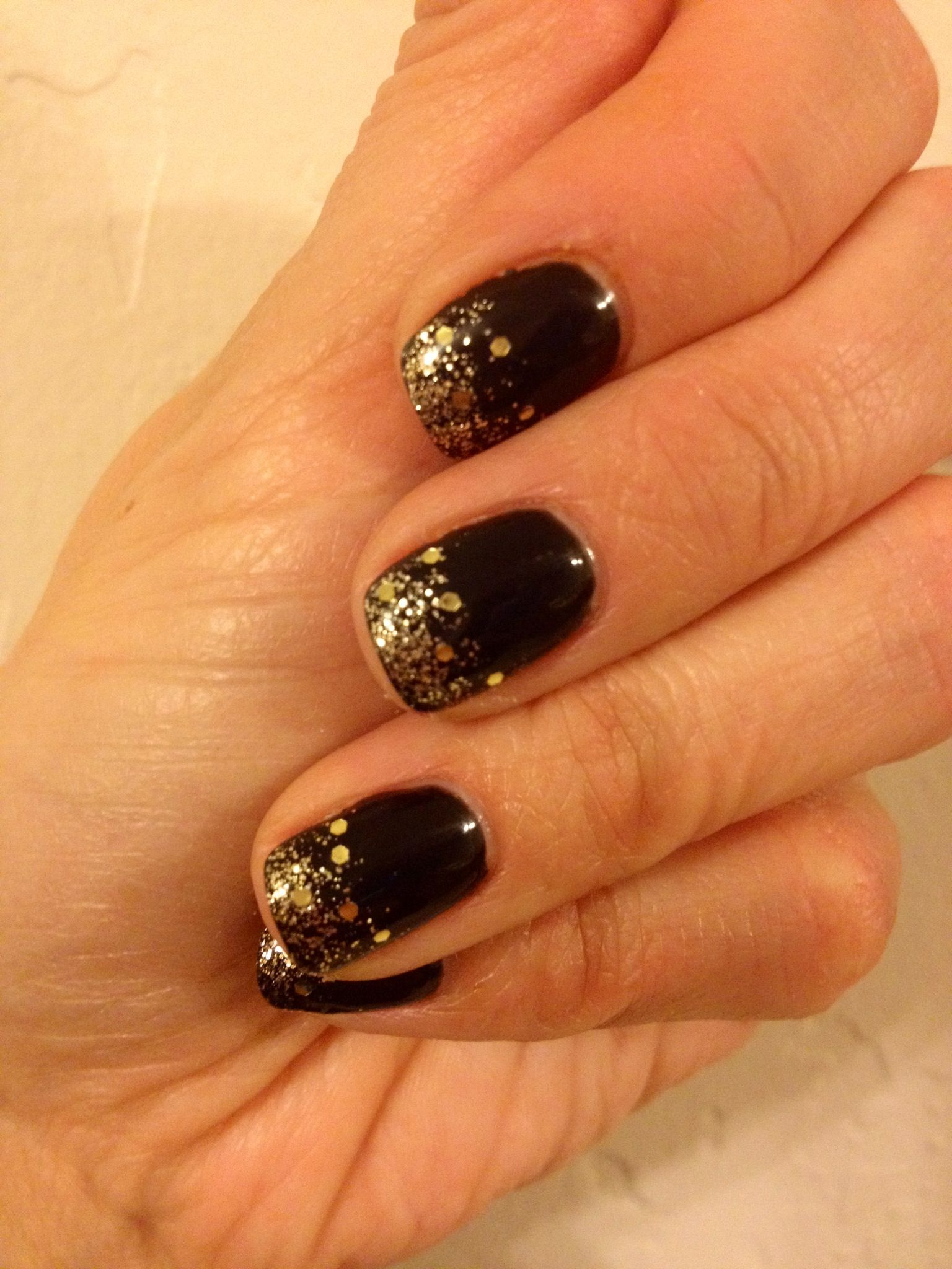 Glitter gold sparkle fade, new year's eve, shellac, nail