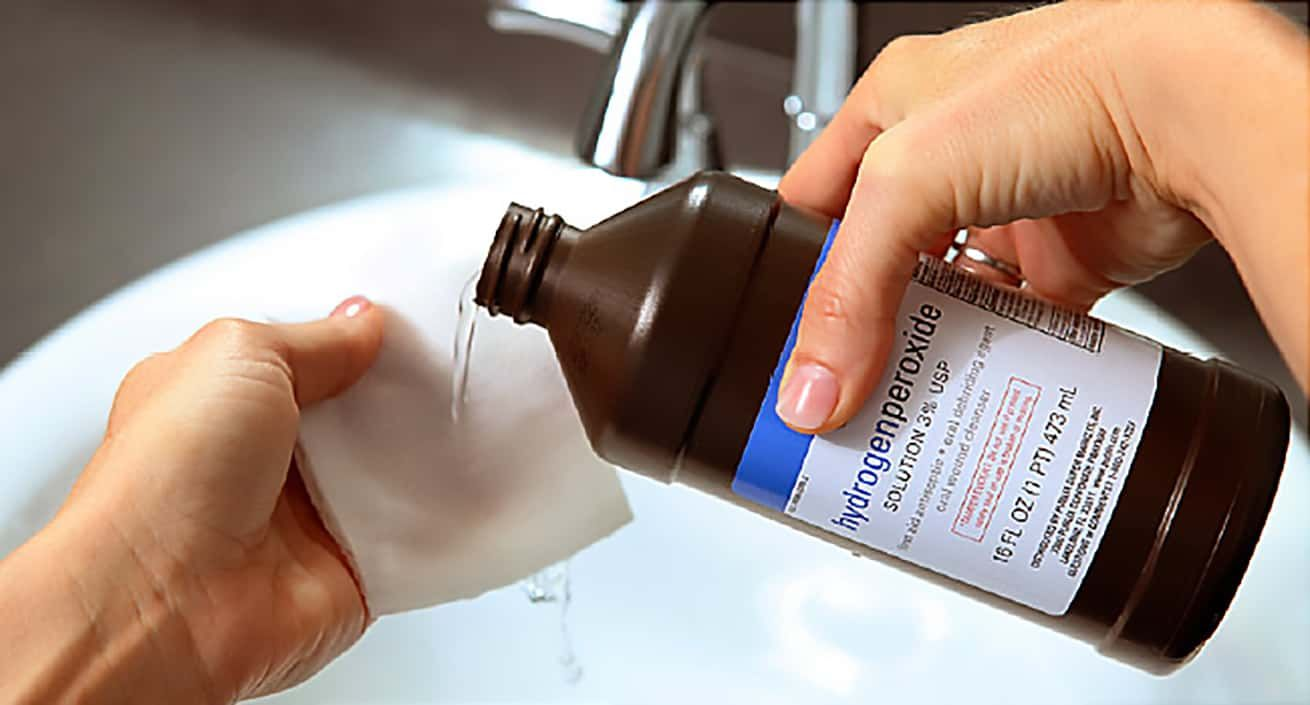 Hydrogen Peroxide Is As Harmless As It Is Powerful Both As A Household Cleaner And As An All Around Rem In 2020 Cleaning Hacks Hydrogen Peroxide Cleaning With Peroxide