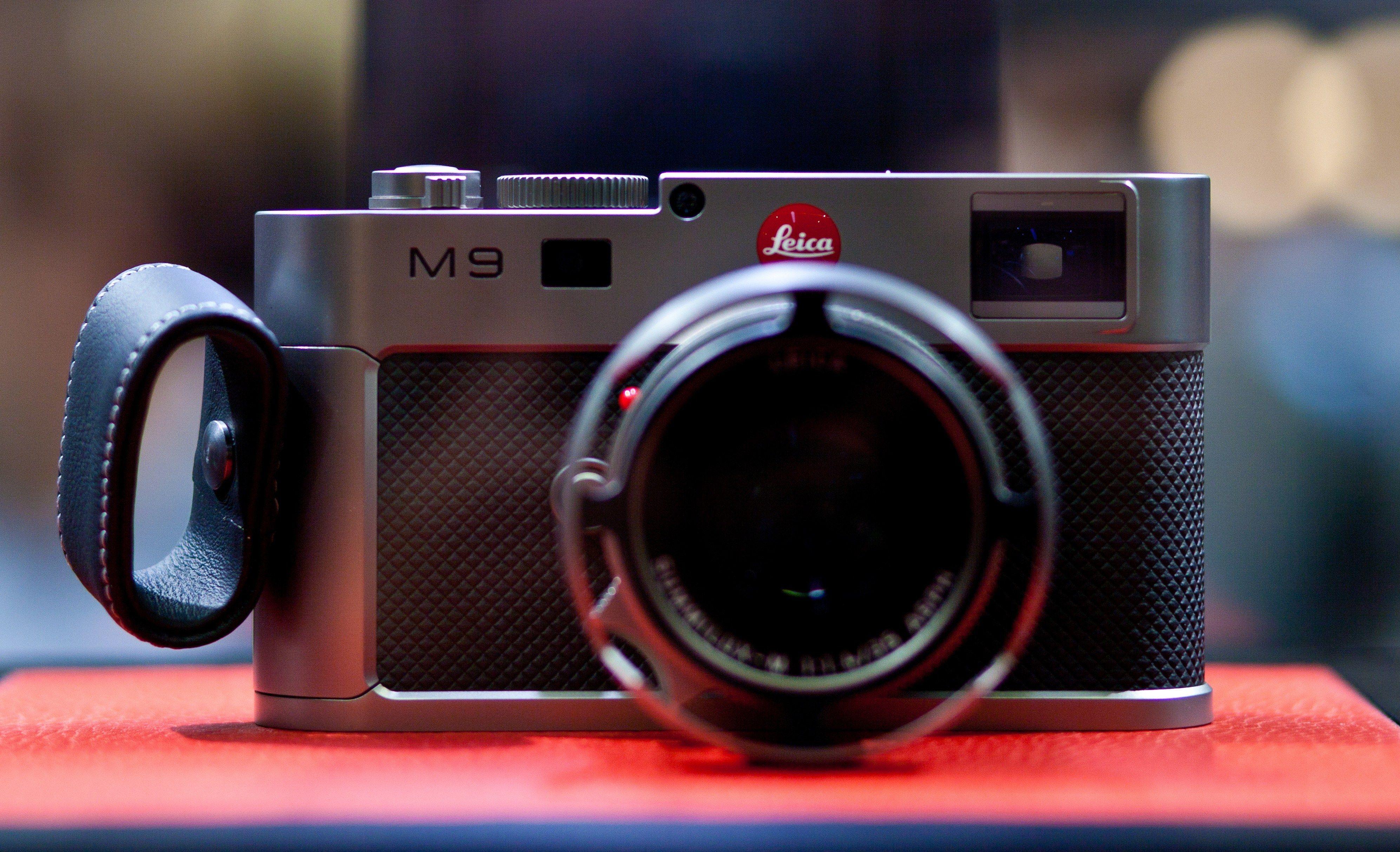 Leica_M9_Titanium_at_Photokina.jpg 3,987×2,427 pixels