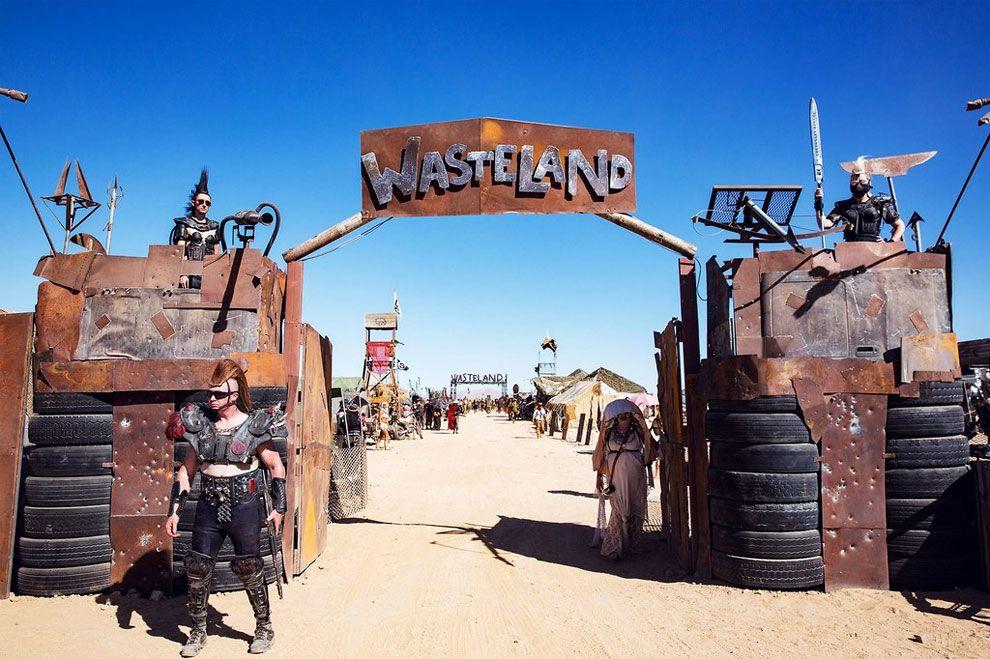 Wasteland is een postapocalyptisch festival die zijn inspiratie kreeg uit de Mad Max filmsaga, een orgie van een zeer nihilistisch toekomstbeeld.