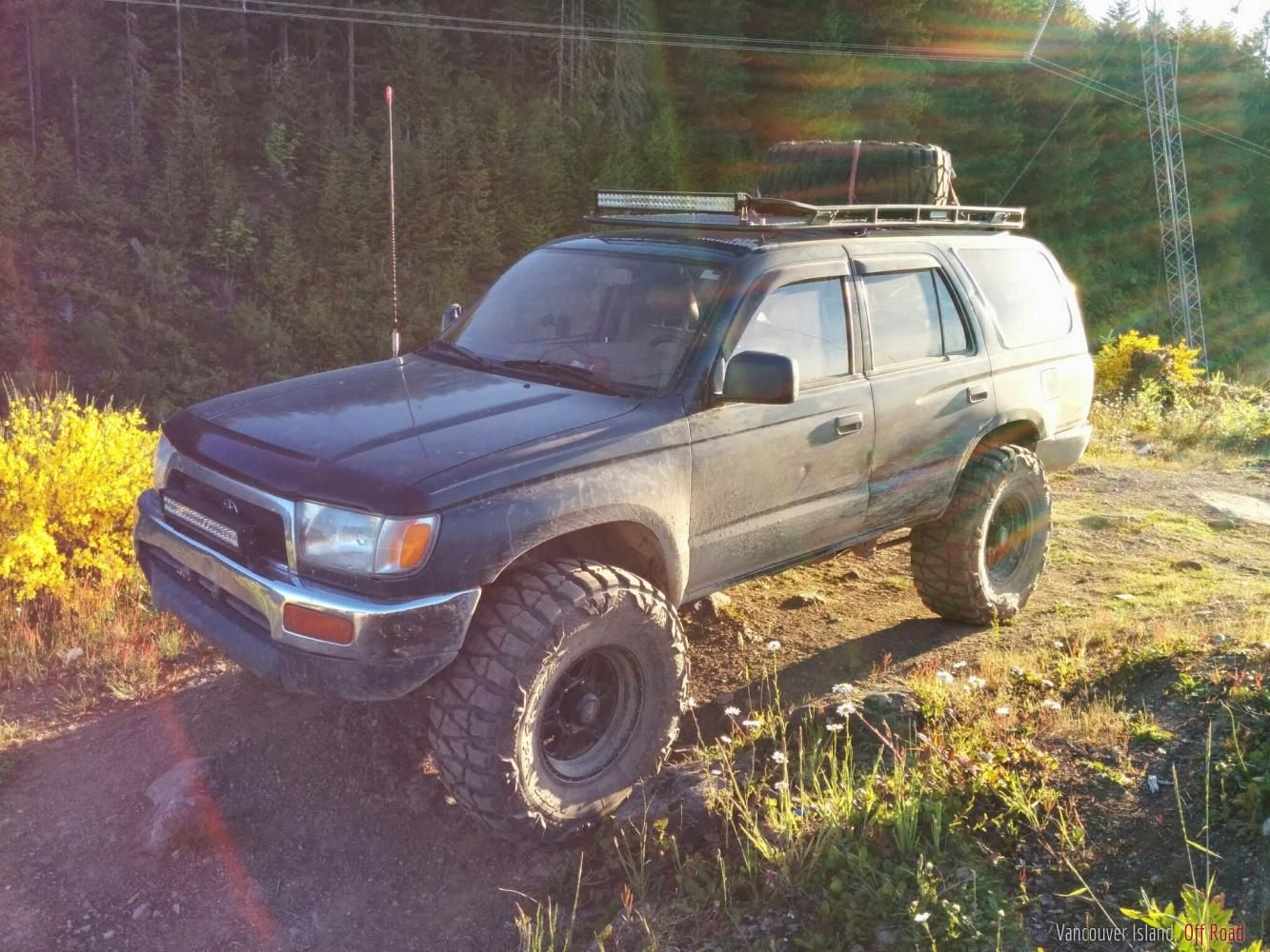 Well Half Way Through My 3 4l Swap In My 93 4runner I Saw A Good Deal Come Up On A Third Gen And Just Had To Have It S 4runner Toyota