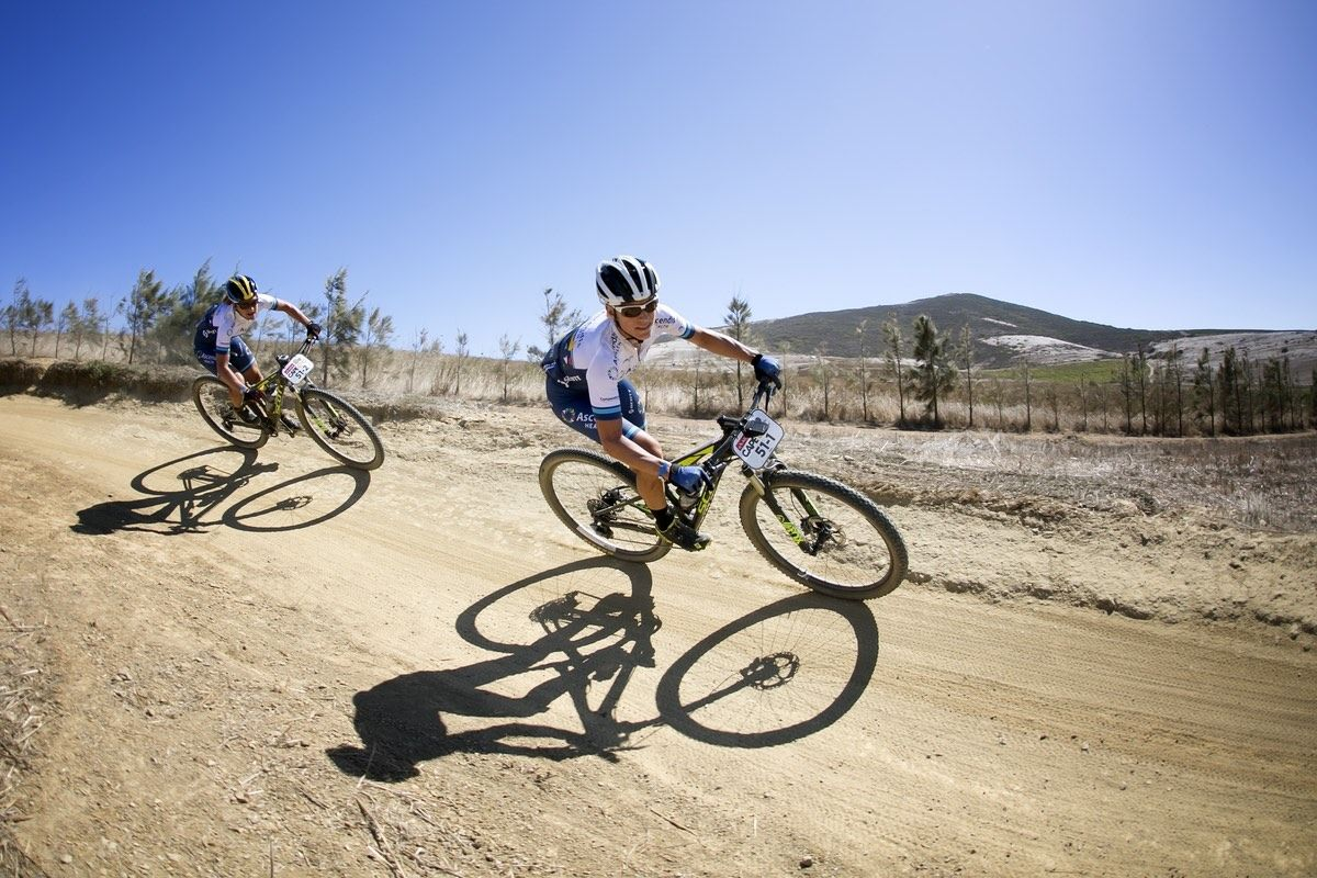 Robyn de Groot and Jennie Stenerhag on their way to winning the Prologue of the 2016 Absa Cape Epic