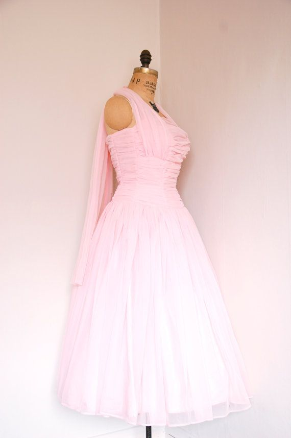 Vintage 1950s dress // 50s pink prom dress // pretty in pink