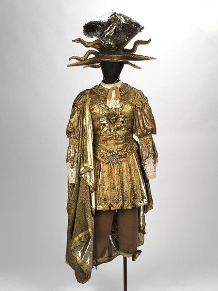 Recreation Of The Costume Worn By Louis Xiv As Apollo Walker David V A Search The Collections Stage Costume Design Theatre Costumes Louis Xiv