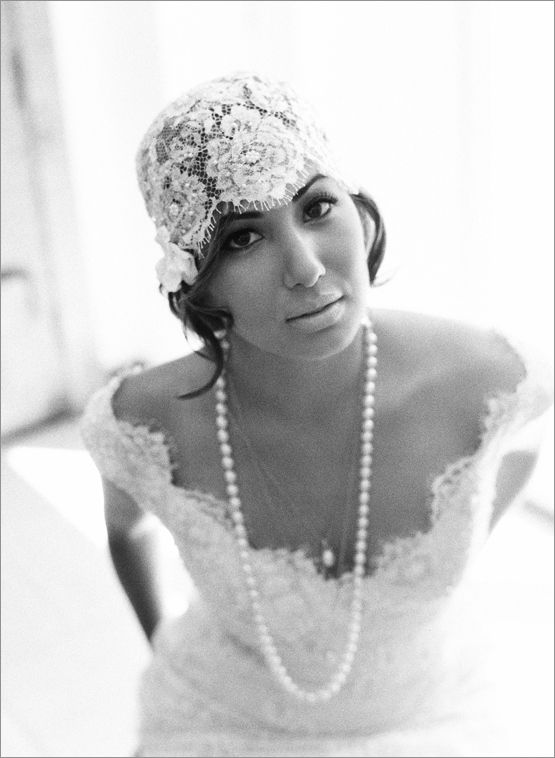 Veils Inspiration: 15 Gorgeous Headpieces of Winter Weddings! @Elizabeth Messina