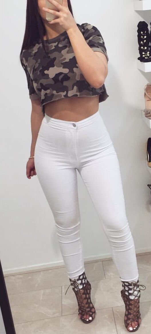 50b187295460a Camo Crop Top   High-Waisted Jeans
