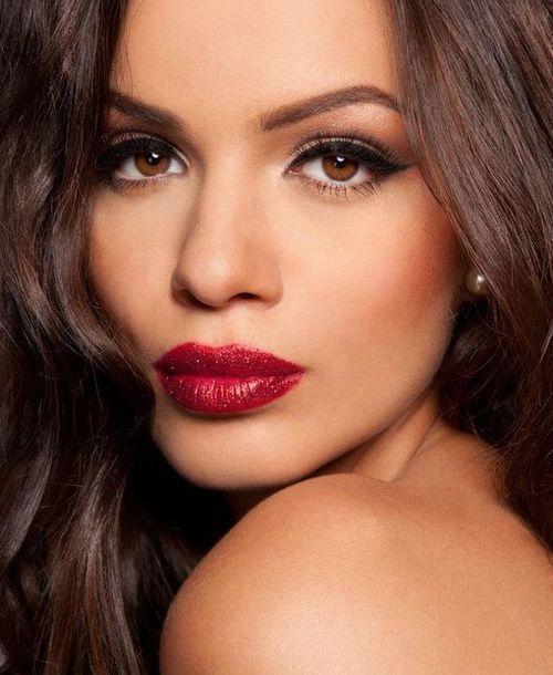 Red Lip And Neutral Eye Holiday Makeup Looks Hair Makeup Red