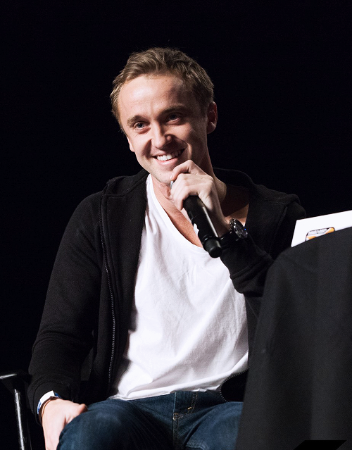 Tom Felton At Salt Lake Comic Con Slytherin Hunk In 2019 Tom Felton Harry Potter Toms Harry Potter Actors