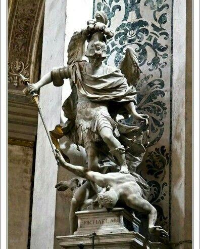 #Michael #Archangel #arcanjo #anjo #angel #Miguel #estátua #Itália #Veneza