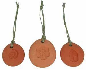Hanging terracotta diffuser. Perfect for your favorite essential oils. I like 2 parts sweet orange to 1 part Eucalyptus. A yummy non-toxic air freshener.