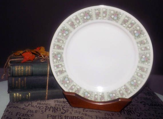 Antique China Dinner Plates Bone China Pastel Flowers Noritake Pure White Greenery Jasmine Dishes & Pin by Buy from Groovy on Vintage Antique and Discontinued China ...