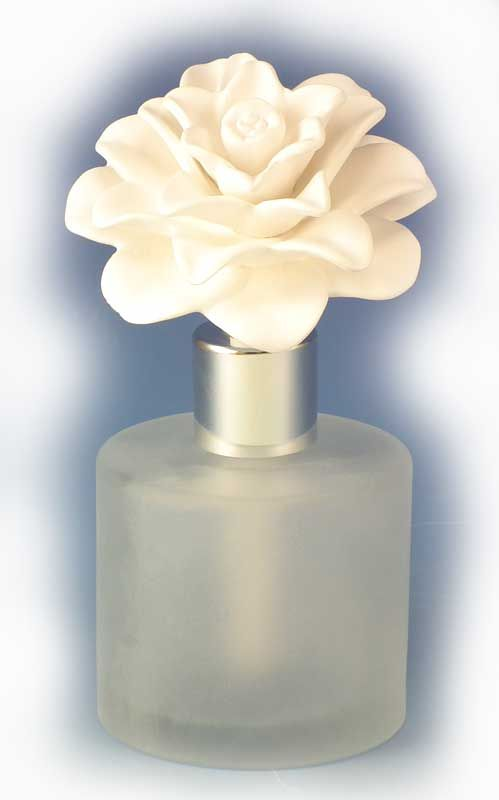 Sweet Pea And Gardenia Melrose Aroma Porcelain Diffuser By