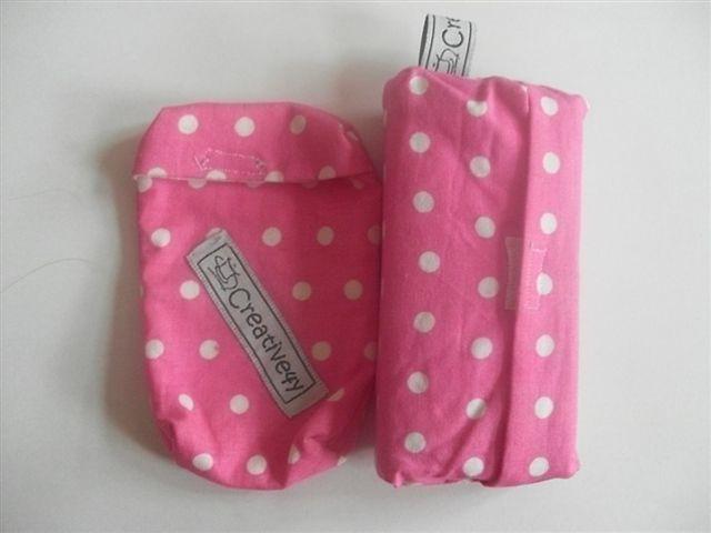 Möchten Sie einen lieben Menschen beschenken ? Dann habe ich was für Sie! Das Geschenkset beinhaltet 1 Handy/Smartphone Tasche und eine dazu Tasche...