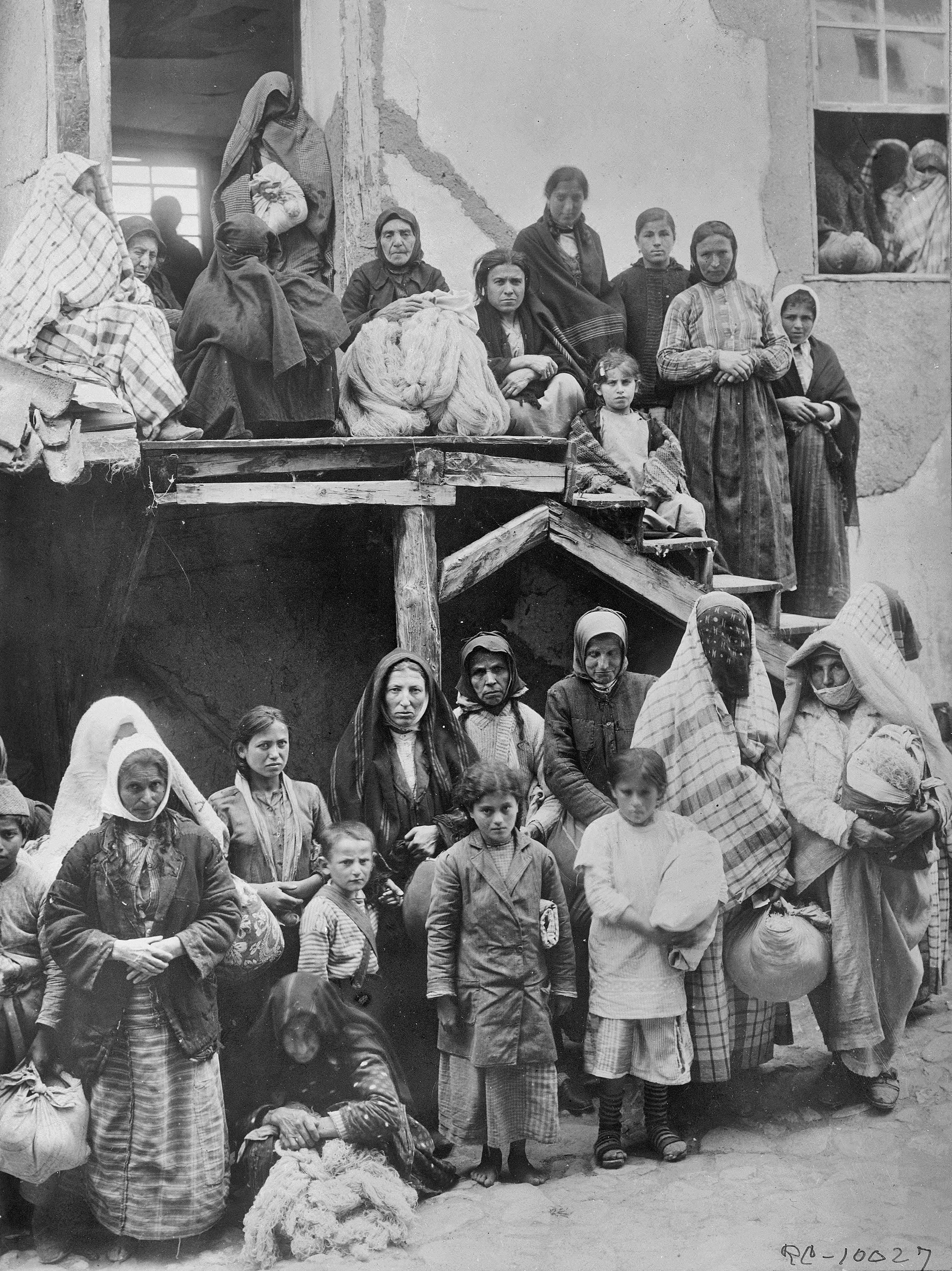 Armenian turkish women and children some of them war for Armenian cuisine history
