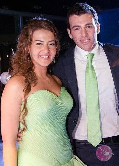 دنيا سمير غانم وزوجها رامي رضوان في خطوبتهم Arab Celebrities Egyptian Actress Egyptian Movies