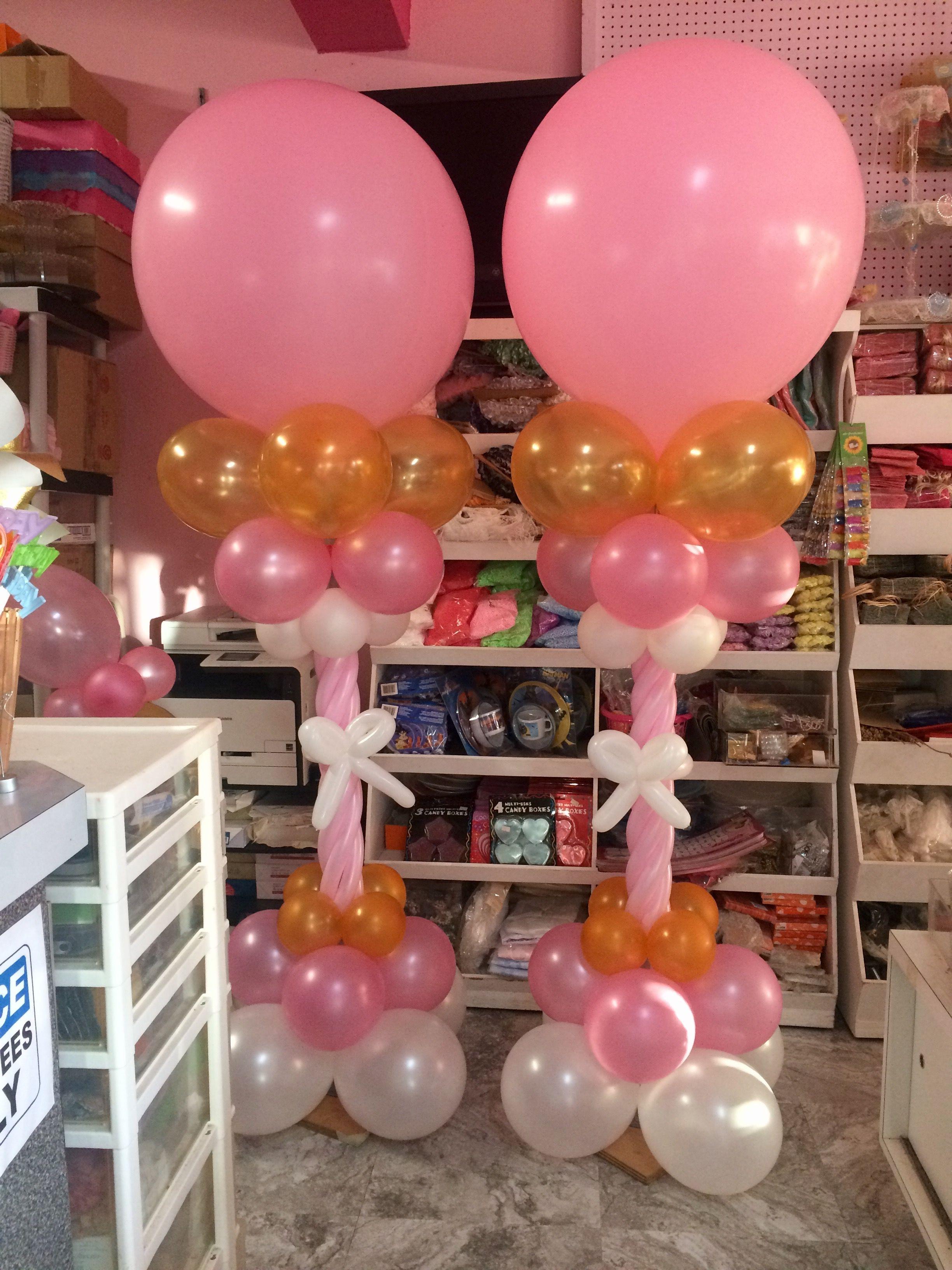 Resultado de imagen para column balloons christmas balloons