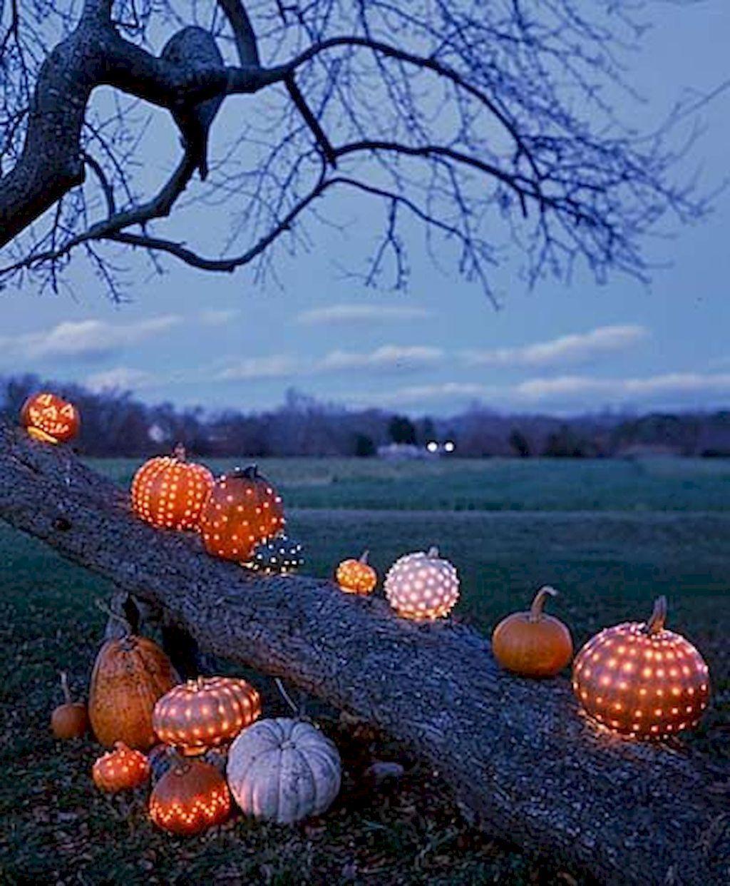 Halloween Outdoor Decoration Ideas 2020 80 + CREEPY OUTDOOR HALLOWEEN DECORATION IDEAS (33) | October 10
