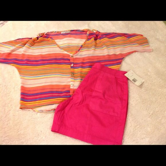 Liz Claiborne high waist shorts 6P This is a pair of Liz Claiborne Lizsport high waist shorts size 6 petite. They are pink pull on with button and zipper front. They have pockets in front. 100% cotton. They are new with tags. Retail for 39.00. The top is not included but is available in my closet. Liz Claiborne Shorts