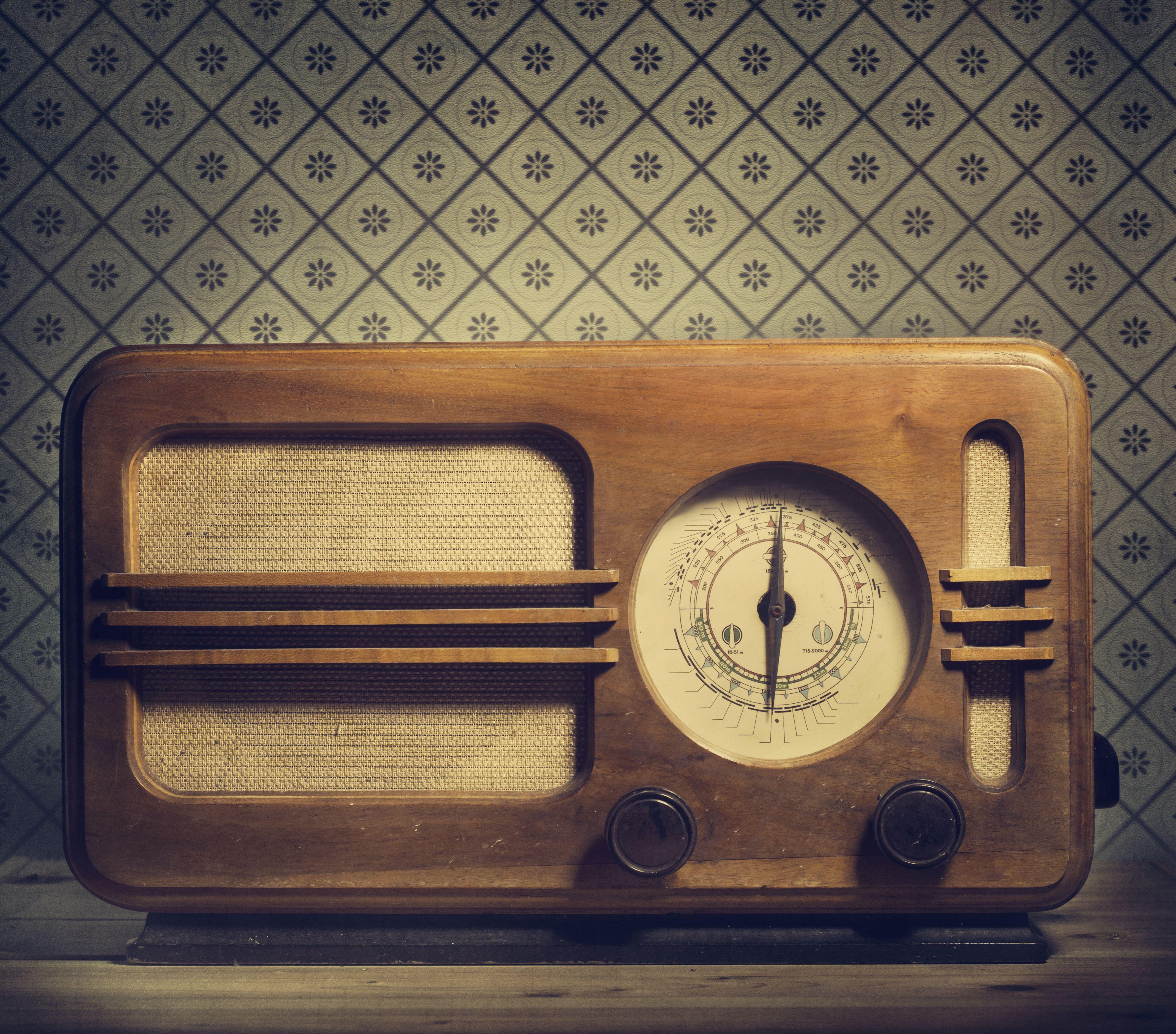 radio-vintage-counter-top-style.jpg (4274×3759) | Radios, Phones ...