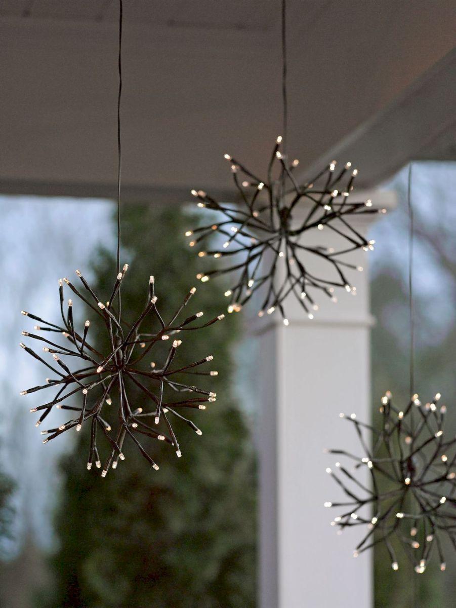 35 Beautiful Christmas Decorations Outdoor Lights Ideas (24