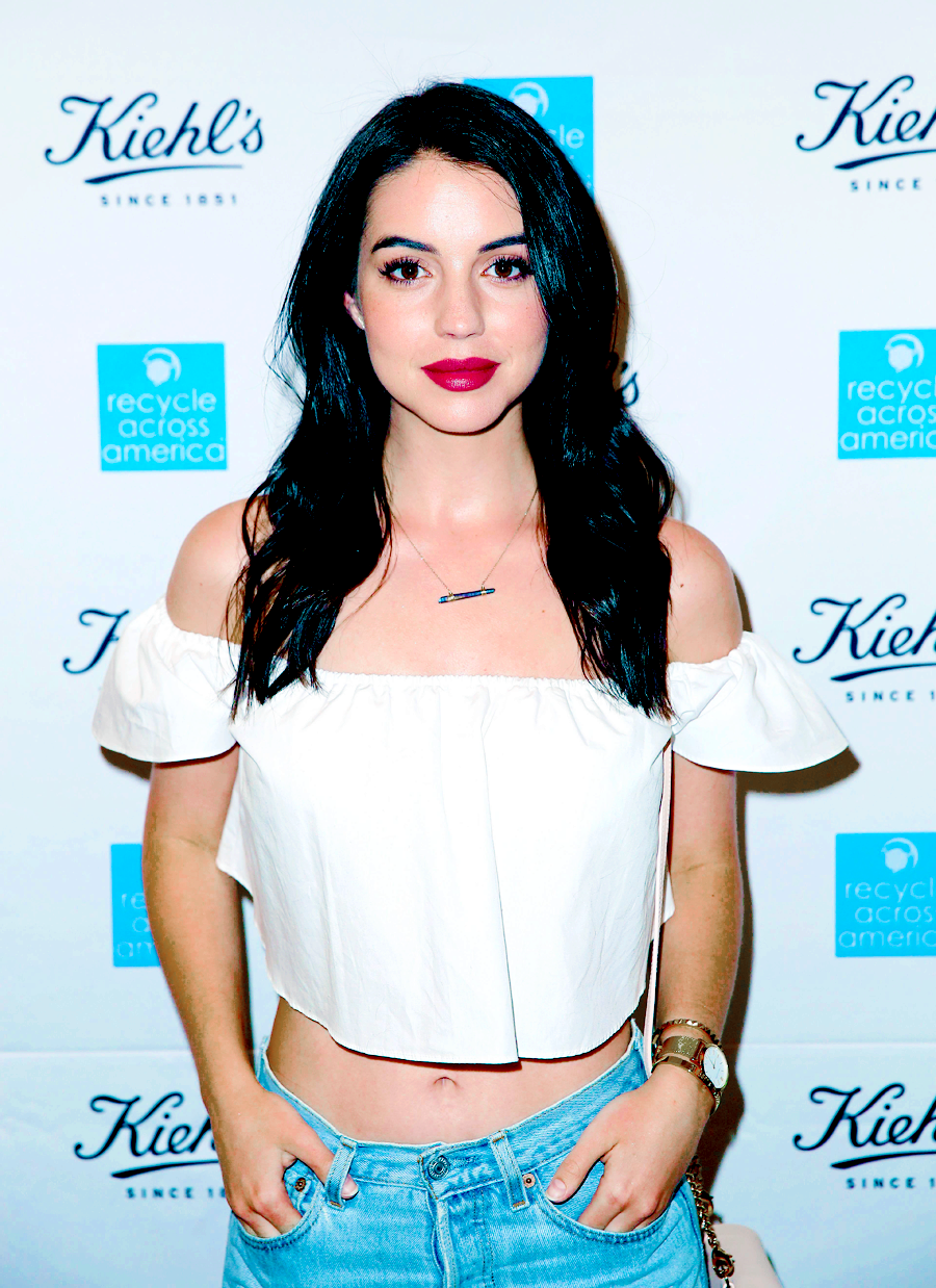Actress Adelaide Kane Attends The Unveiling Of The Earth Day Partnership With Kiehl S For Recycle Across America At Kiehl S Since 1851 Santa Monica Store In S