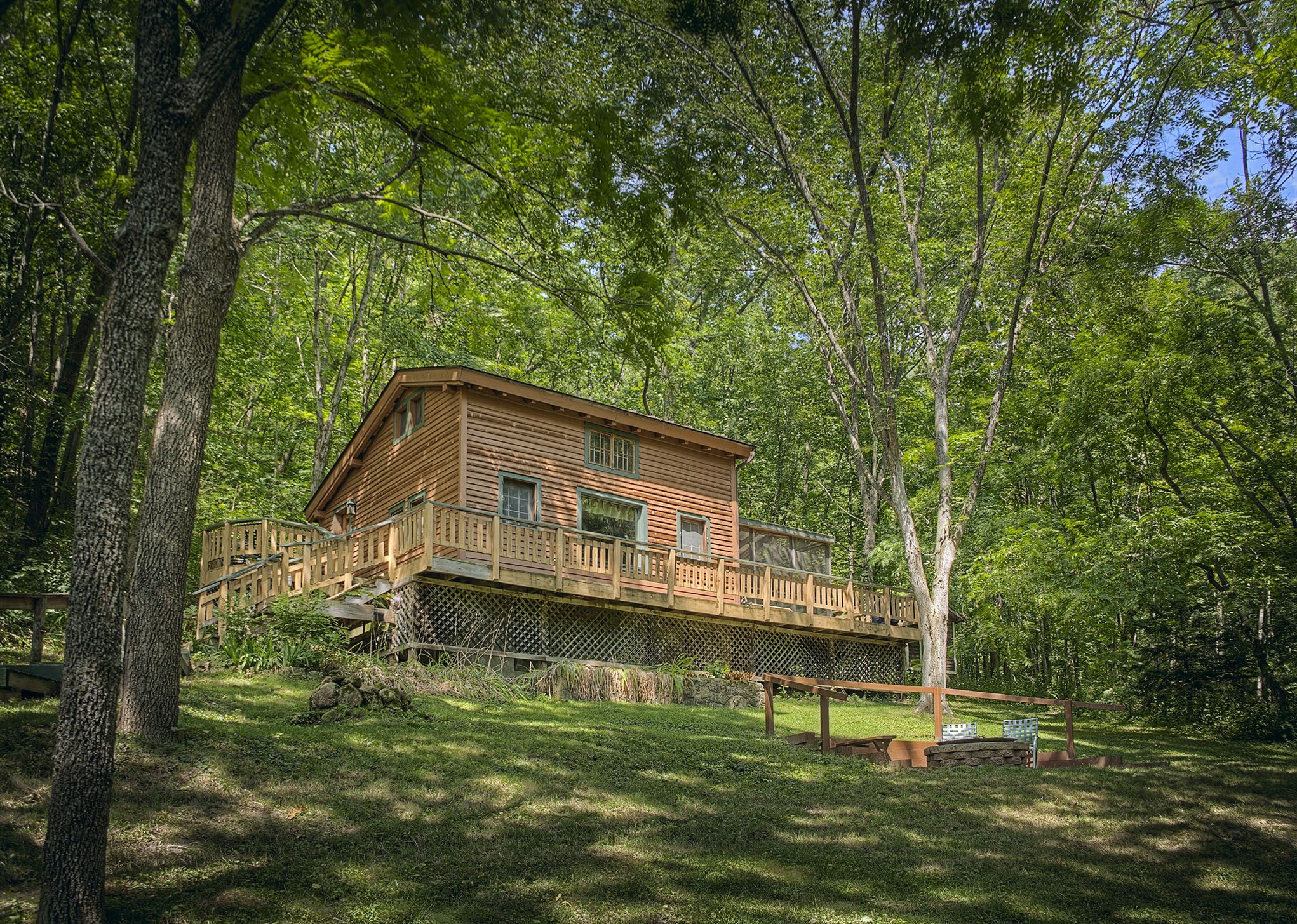 states rental lakes a views wisconsin com with front america cabin cabins vrbo rent pin log in lake beautiful and of vacation united from woodruff