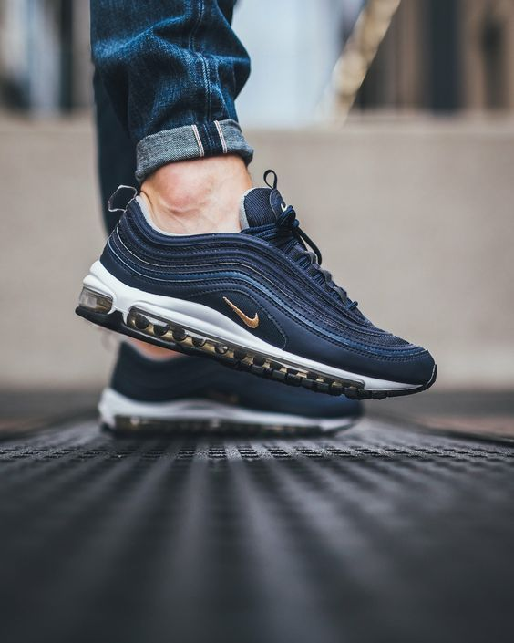best cheap 49937 83bfd hvite joggesko Air Max 97 Ultra 17 fra Nike Sportswear. Air-Sole demping som